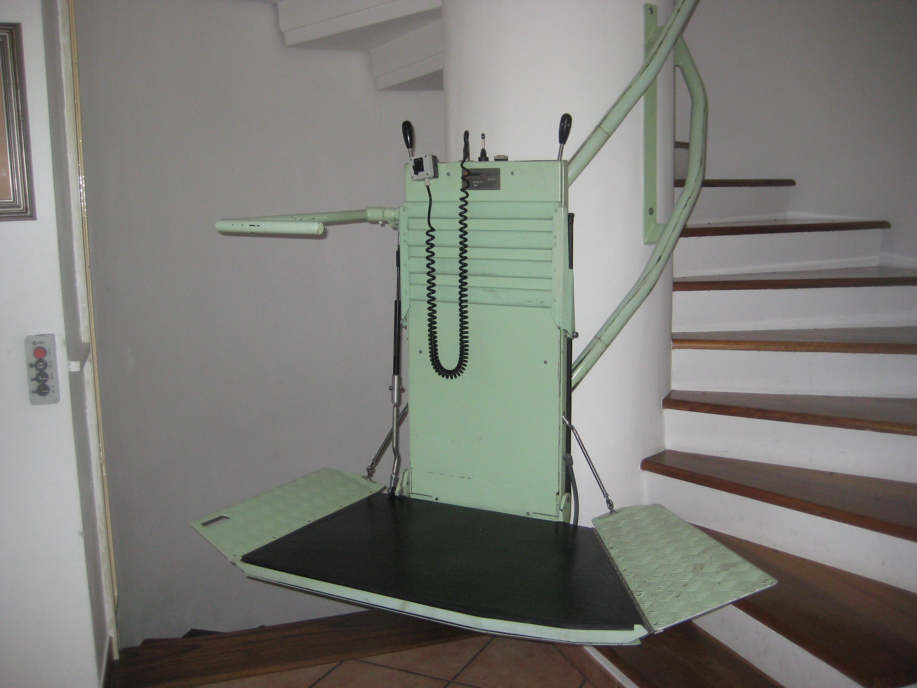 Sedie A Rotelle Per Scale : Su e giù per le scale di casa con la mia fedele sedia a rotelle